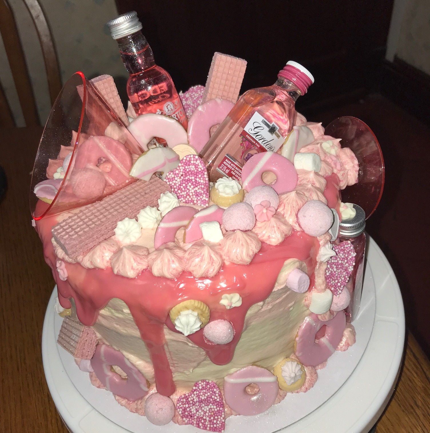 Remarkable Besties Pink Gin Birthday Cake Beth Than Perfect Personalised Birthday Cards Veneteletsinfo